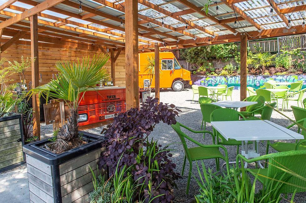 Outdoor seating - Marina Cantina - Agua