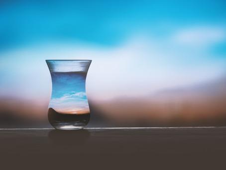 """🙋Reactívate y adopta el efecto del """"Vaso medio lleno"""" 🥃"""