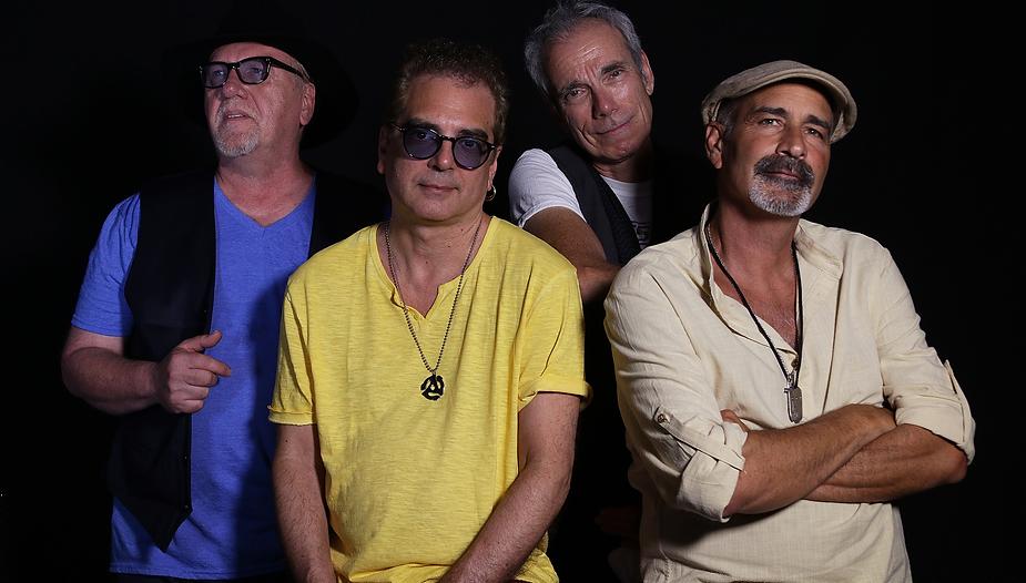 Mantus Photo / John Kaz, Billy Amedola, Frank Deac, Jimmy Maer