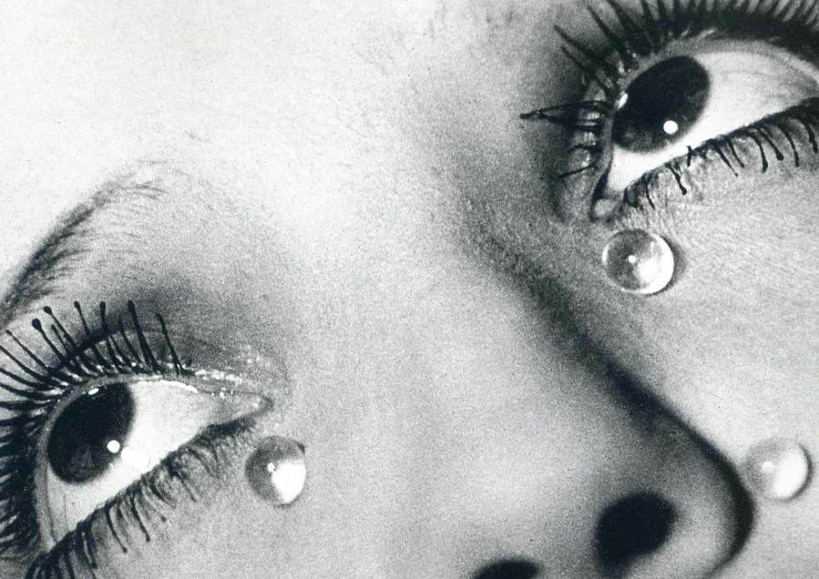 """Glass Tears"", Man Ray, 1932. Gelatin Silver Print. 22,9 cm x 19,8 cm"