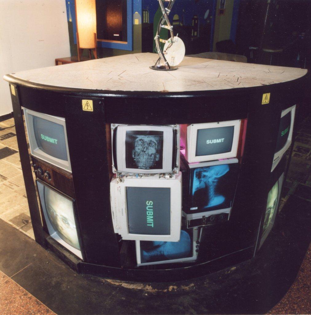 Tec_Autonomiculturengine (Front Detail) 2001