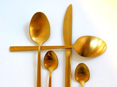 Cubiertos Set Oro