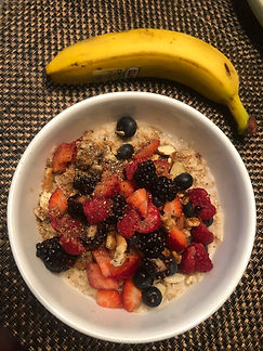 Lifestyle Medicine and wellness Practice PLLC, plant based diet, lifestyle medicine in Arizona, plant based doctor, loaded bowl, helathy breakfast, oatmeal