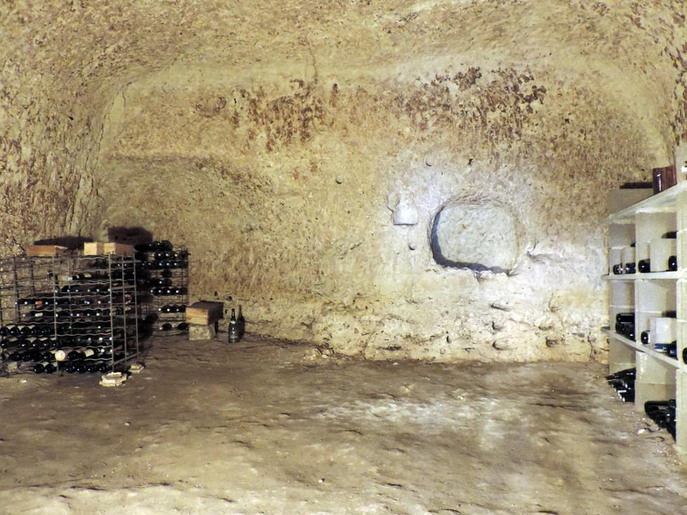 Une cave troglodytique, utilisé en scellier (2015)