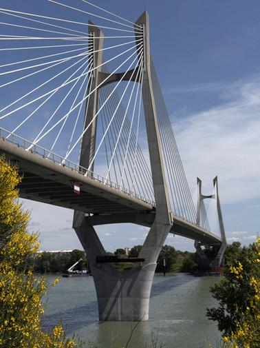 Le pont sur le Rhône de Beaucaire à Tarascon (Gard/Bouches du Rhône)