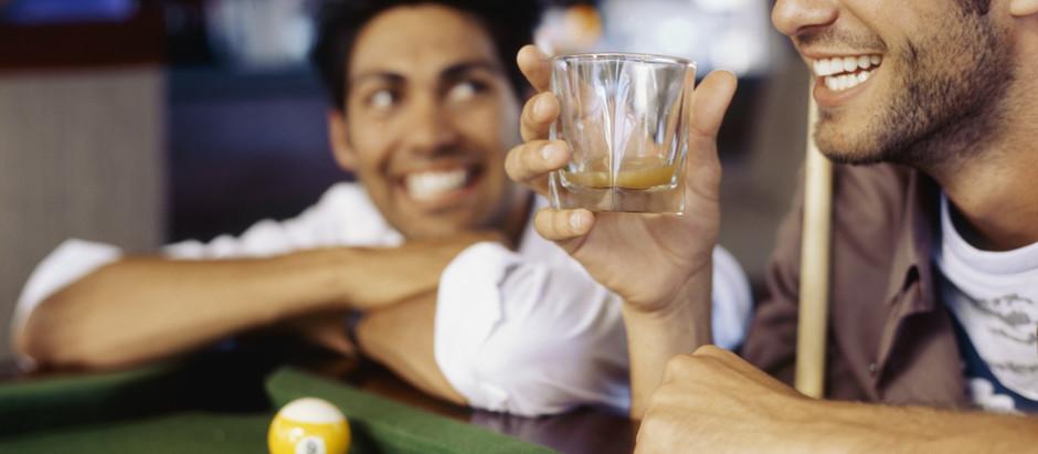 Los desórdenes de la cuarentena, también pueden traer consumo excesivo de alcohol.