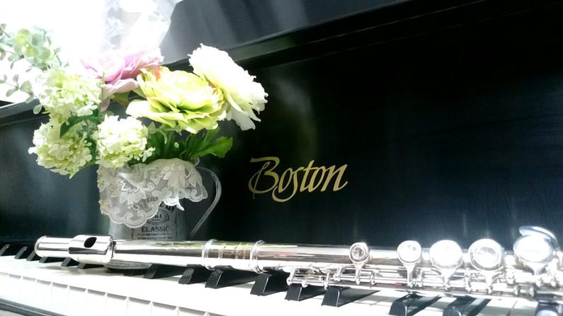 ボストン社のグランドピアノ