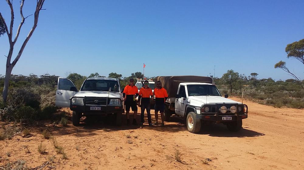 Direct Energy team on road to Tjuntjuntjara. Photo by Graham Townley