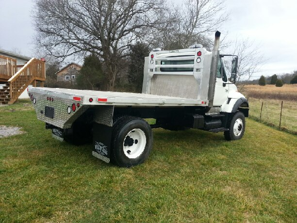 International 7600 Truck