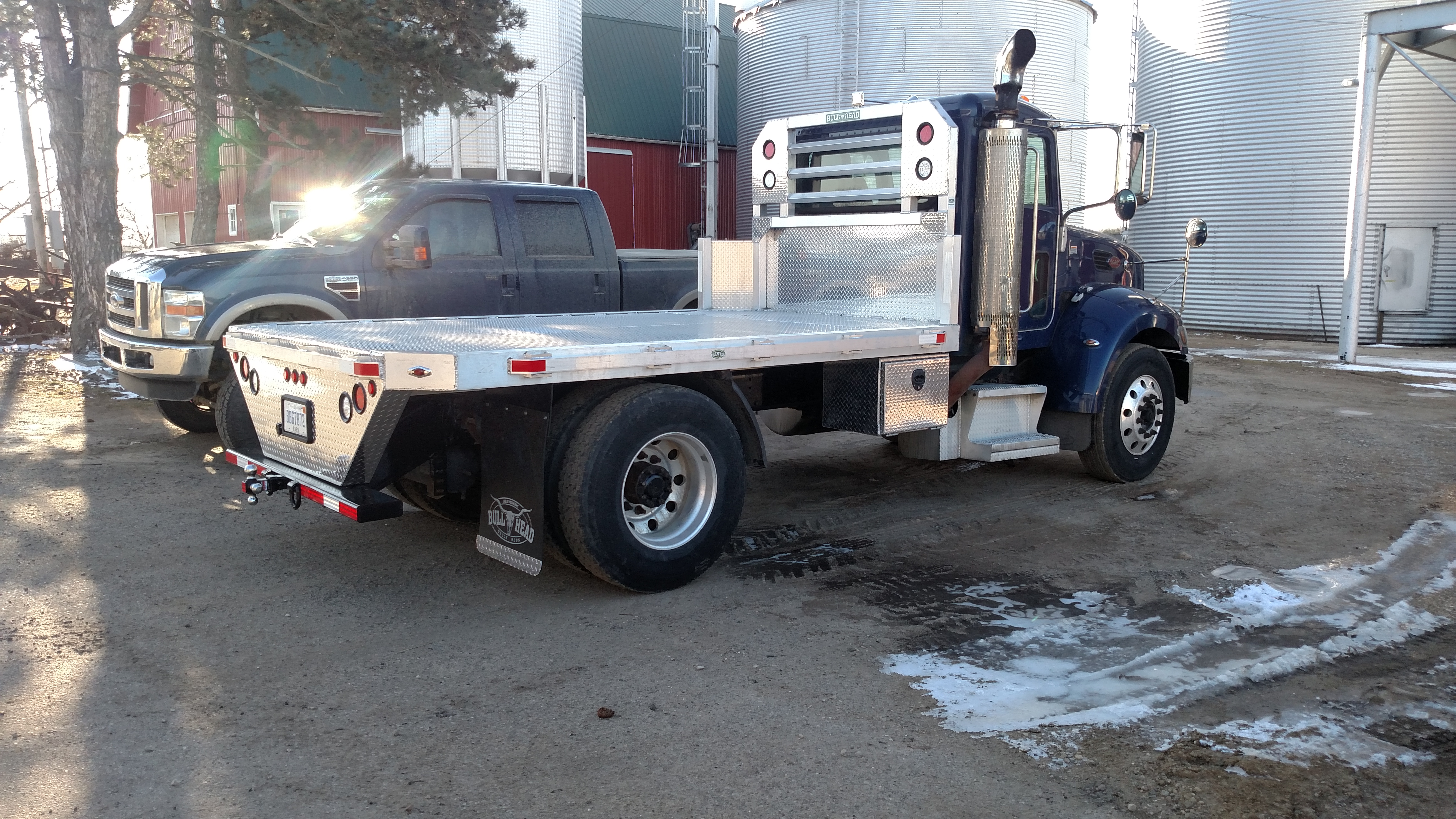 Peterbilt with Aluminum Flat Bed