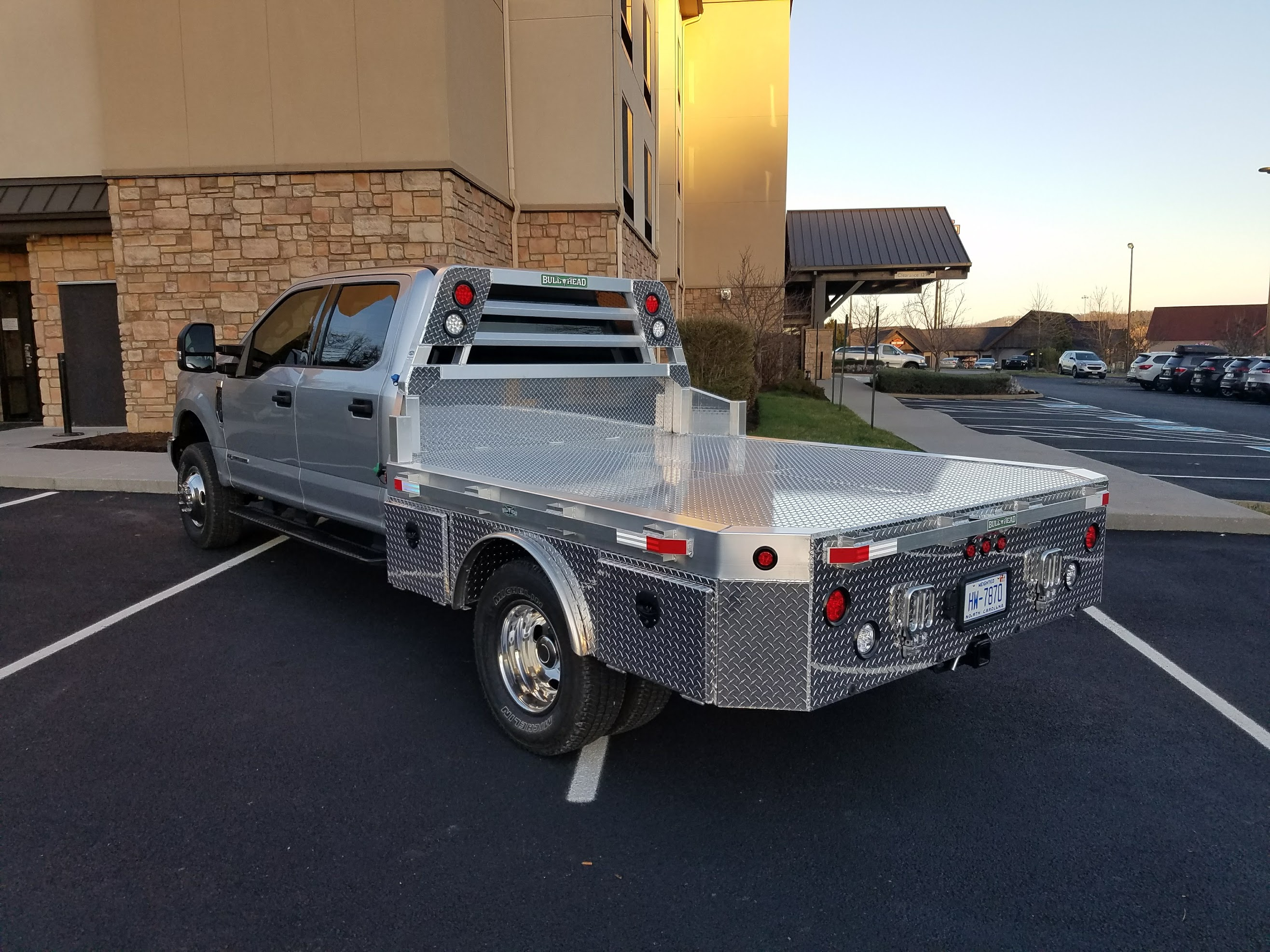 Ford F-350 Skirted Hauler Body