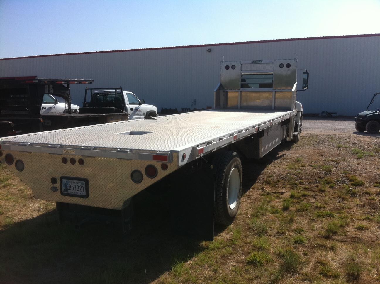 Hino 28' Aluminum Bed