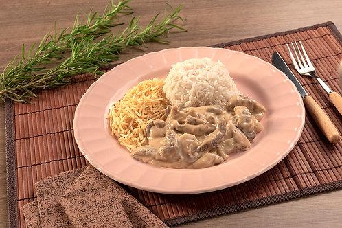 Strogonoff de Carne com Arroz e Batata Palha 430g
