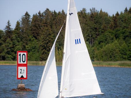 Robin och Elämä mästare i krävande förhållanden i Small Ships' Race