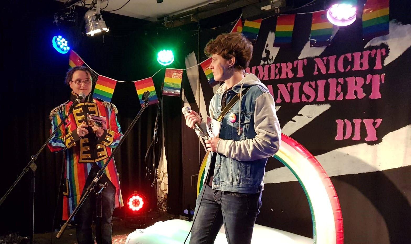 Die beiden Moderatorinnen und Queer Thun Gründerinnen: Eve & Marga.