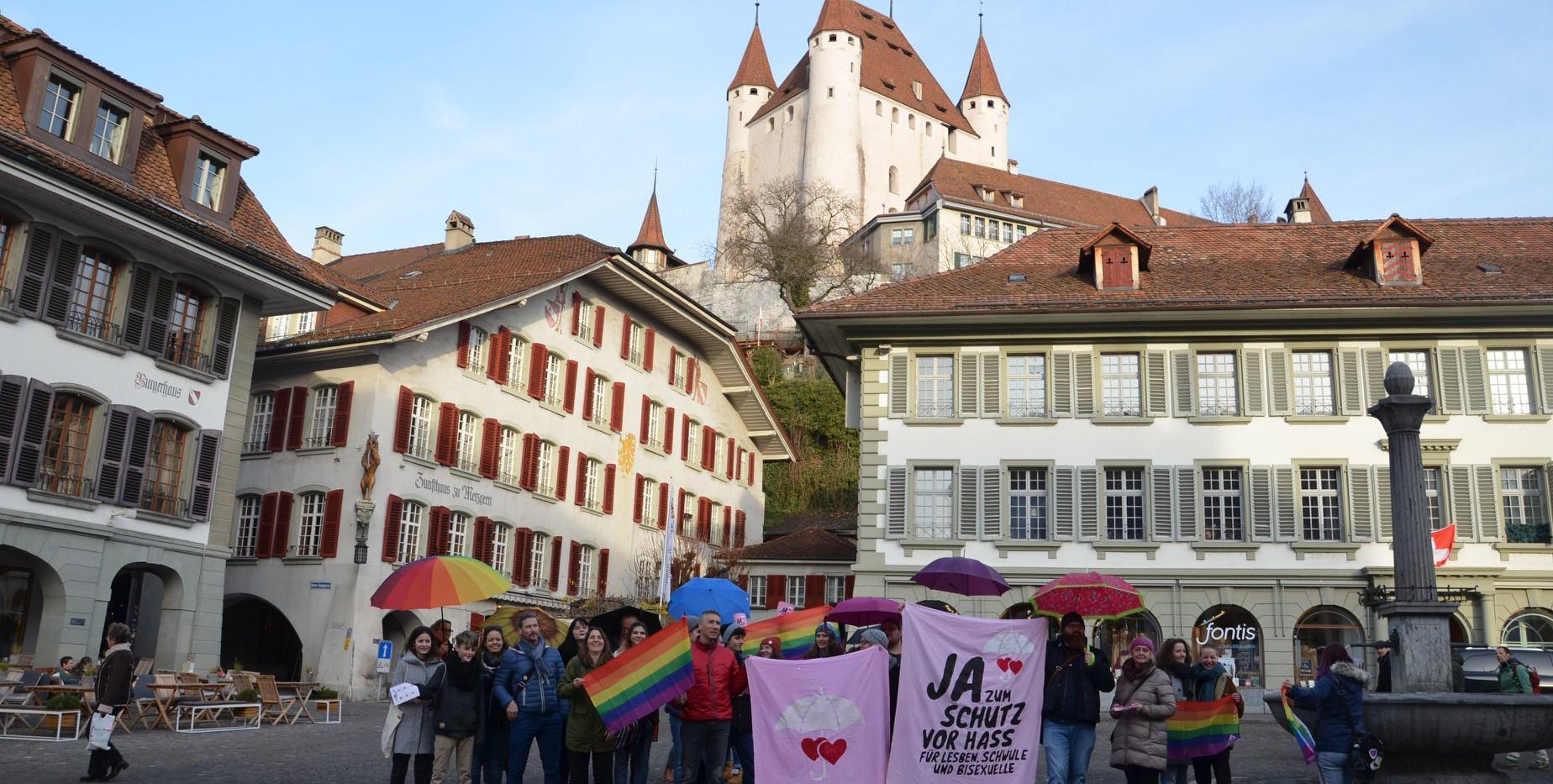 Ja-zum-Schutz-Spaziergang: Abschluss auf dem Rathausplatz