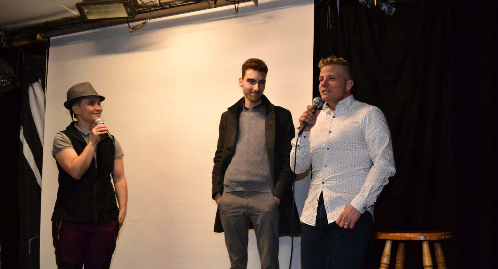 Talk mit Filmemacher Dominic (Mitte) und Transmann Phippu (rechts), Moderation Eve