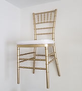 Gold%20Chiavari%20Chair_edited.jpg