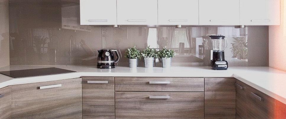 Kitchen-renovations-mid-range-pano_edite