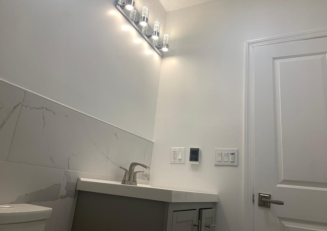 4th Floor Bathroom (3).JPG