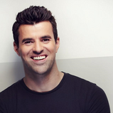 STEVE JONES TO HOST NEW HOUSE HUNTING SERIES ON CHANNEL 4