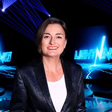 ZOE LYONS TO PRESENT NEW BBC TWO QUIZ SHOW