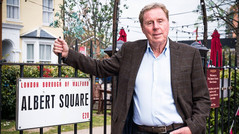 HARRY REDKNAPP TO MAKE GUEST APPEARENCE IN EASTENDERS
