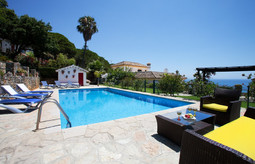solo travellers holidays spain
