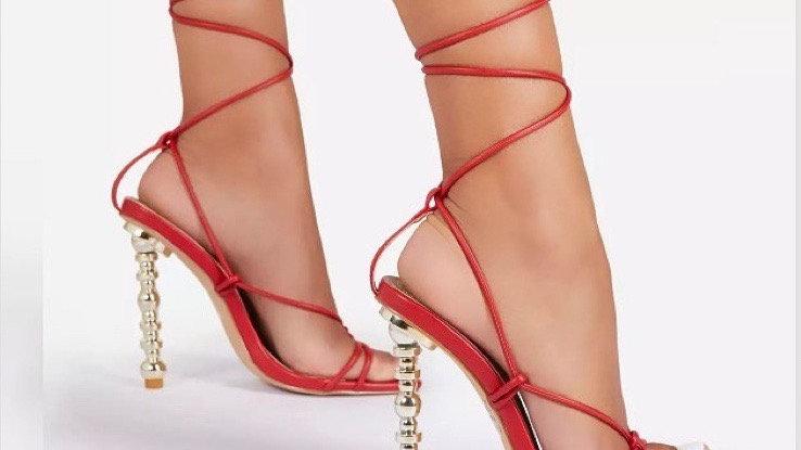 Hot Girl Heel