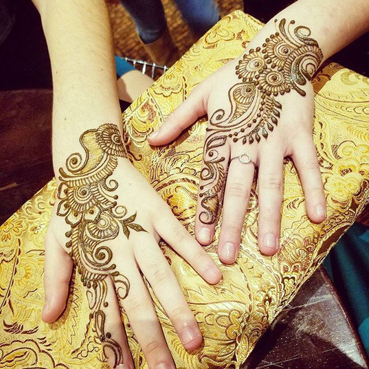 In #northfield today doing #henna for a