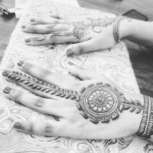 Simple sangeet designs for the groom fam