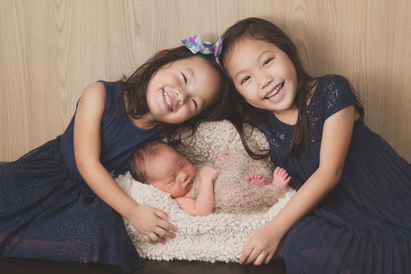 040-momo-studio-newborn-and-sibling-phot