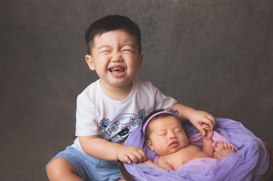 044-momo-studio-newborn-and-sibling-phot