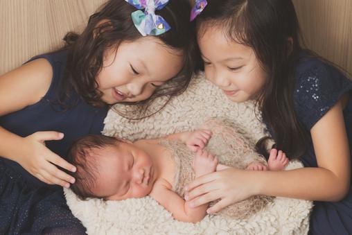 041-momo-studio-newborn-and-sibling-phot