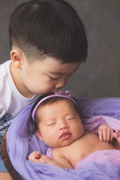 045-momo-studio-newborn-and-sibling-phot