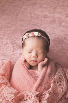034-momo-studio-newborn-photoshoot-at-ho