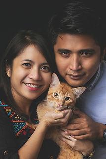 004-momo-studio-couple-with-cat-photosho