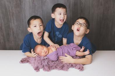 046-momo-studio-newborn-and-sibling-phot
