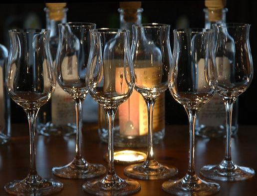 wine-glasses-1325379.jpg