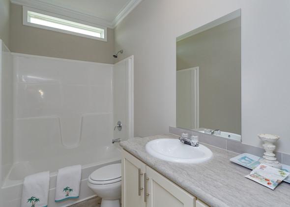 20-Bathroom.jpg