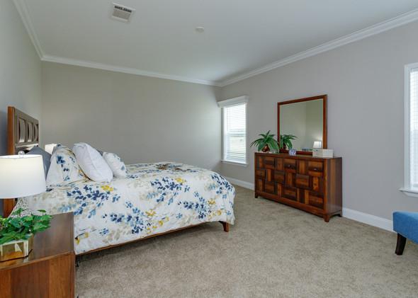 16-Master Bedroom (2).jpg