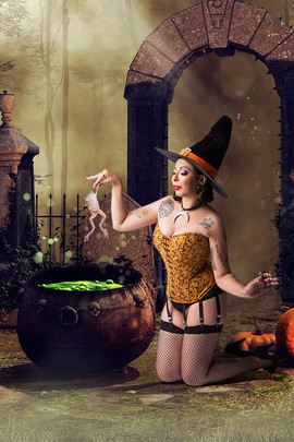 Ana Carol - Witch - Pin Up - Be a Bombsh