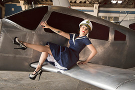 Luciana - Pinup - Be a Bombshell - Aviad