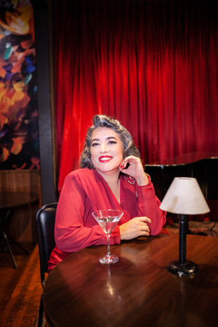 Elaine - Diva - Pin Up - Be a Bombshell