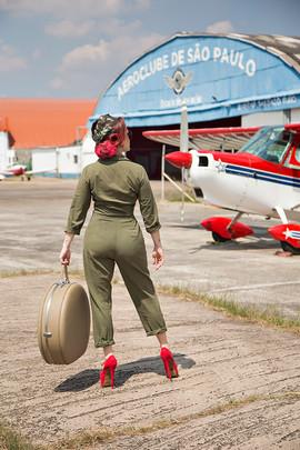 Paty  - PinUp - Be a Bombshell - Aviador