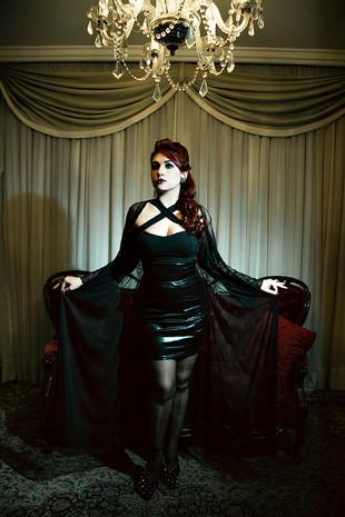 Luana - Gothic - Be a Bombshell - Baixa