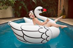 Flavia - Pool - Be a Bombshell - Baixa (