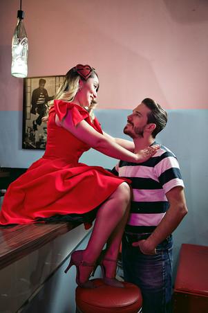 Paloma & Renan - Be a Bombshell - Baixa