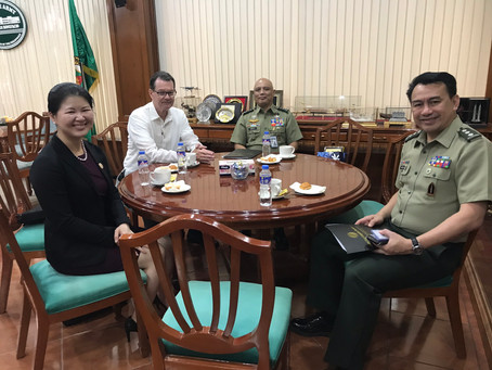 Foundation Directors meet with Senior Philippine  Military Officials