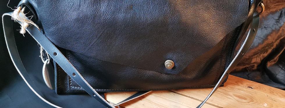 Large Messenger Bag - Black